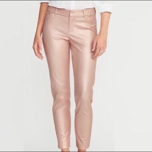 Old Navy Metallic Rose Gold Pixie pants | Size 8